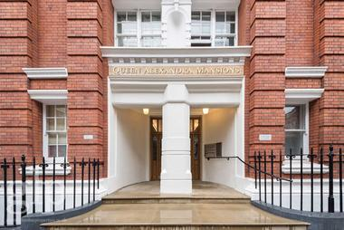 Two Double bedrooms at Bidborough Street, Bloomsbury, 9DJ