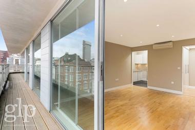 Penthouse Apartment With Lift at Dean Street, Soho, W1D, 6AL