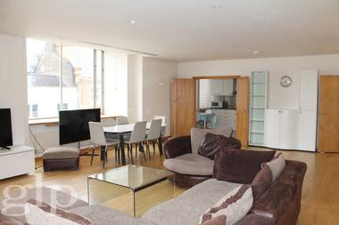 Three Double Bedrooms at Grafton Street, Mayfair, W1S, 4EW
