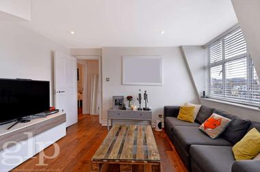 Two Double Bedrooms at Archer Street, Soho, W1D, 7AP