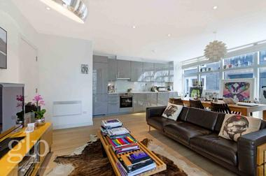 Two Double Bedrooms at Marshall Street, Soho, W1F, 9BA