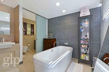 Penthouse at St Martins Lane, Covent Garden, WC2E, 9AB