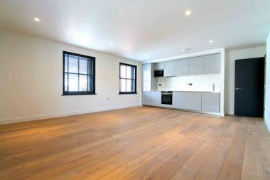Stunning Apartment at St Martin`s Lane, Covent Garden, WC2N, 4AA
