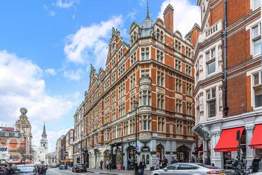 Large One Bed at St Martins Lane, Covent Garden, WC2N, 4AX
