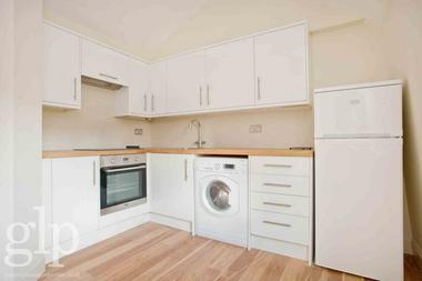 Self Contained Studio at Shaftesbury Avenue, Covent Garden, WC2H, 8EH