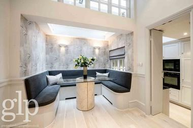 Superb Knightsbridge 2 bedroom Townhouse at Pavillion Road, Knightsbridge, 0ES