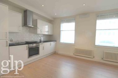 Double Bedroom at Catherine Street, Covent Garden, WC2B, 5JS