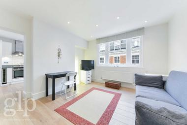 Two Double Bedrooms at Mercer Street, Covent Garden, WC2H, 9QN