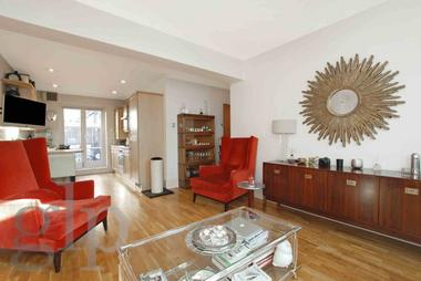 Two Double Bedrooms at Earlham Street, Covent Garden, WC2H, 9LL