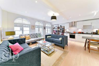 Two Bedrooms at Catherine Street, Covent Garden, WC2B, 5JS