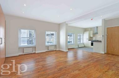 Large Studio Apartment at Moor Street, Soho, W1D, 5ND