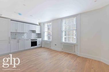Studio Apartment at Lowndes Court, Soho, W1F, 7HB