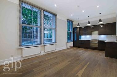 Two Double Bedrooms at Shaftesbury Avenue, Covent Garden, WC2H, 8JB