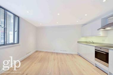 Two Double Bedroom at Shelton Street, Covent Garden, WC2H, 9JS