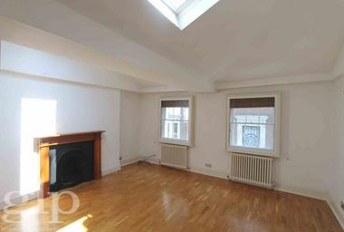 Studio Apartment at Marshall Street, Soho, W1F, 7EX