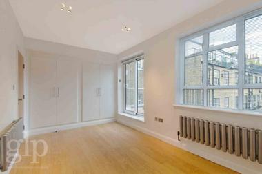 Two Double Bedrooms at Goodwin`s Court, Covent Garden,WC2N, 4EA