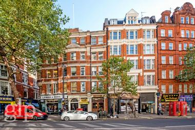Studio Apartment at Charing Cross Road, Covent Garden, WC2H, 0HU
