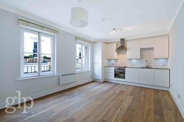 Loft Style Apartment at Catherine Street, Covent Garden WC2B, 5JS