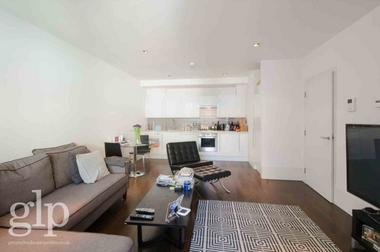 Two Double Bedrooms at Slingsby Place, Covent Garden, WC2E, 9AB