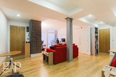 Stunning One Bedroom at Mercer Street, Covent Garden, WC2H, 9QP