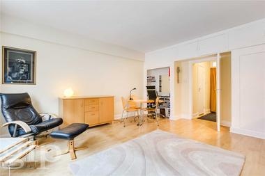 Self Contained Studio at Charing Cross Road, Covent Garden, WC2H, 0JN