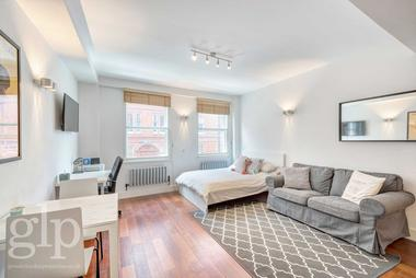 Spacious Studio at St. Martins Lane, Covent Garden, WC2N, 4EA