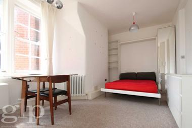 Spacious studio at Hunter Street, Bloomsbury WC1N, 1BL