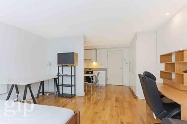 Self Contained Studio Apartment at York Way, Kings Cross, N1, 9AA