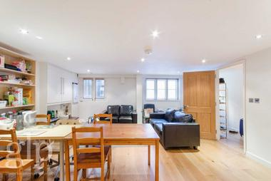 Three double bedrooms at Leigh Street, Bloomsbury WC1H, 9EW