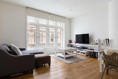 Two double bedrooms at Chancery Lane, London, WC2A, 1AA