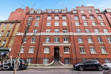 Converted two bedroom apartment at Queen Alexandra Mansions, Bloomsbury, WC1H, 9DW