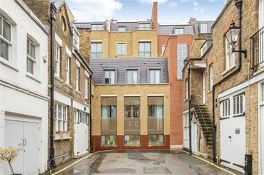 Two Double Bedrooms at Welbeck Way, London, 9YW