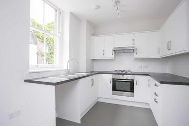 One Double Bedrooms at Flat 3, 29a Thayer Street, Marylebone, W1, 2QW