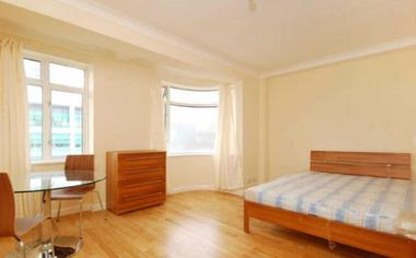 Studio at Warren Court, Euston NW1, 3AA