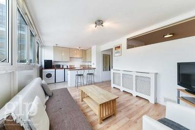 One bedroom at Clipstone Street, Fitzrovia, W1W, 5DN