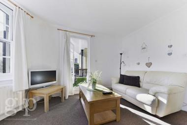 Two Double Bedrooms at Baring Street, Islington, N1, 3DS