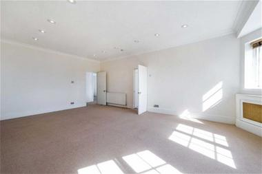 Two Double Bedrooms at Redington Road, London, 7QY