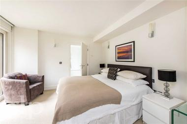 One Bedroom Apartment at Weymouth Street, London, W1, 5BX