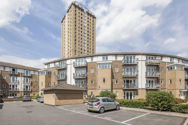One Double Bedroom Apartment at Morton Close, Shadwell, E1, 2QT