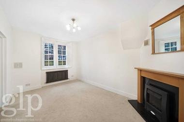 One Double Bedroom at Rashleigh House, Bloomsbury, WC1H, 9ER