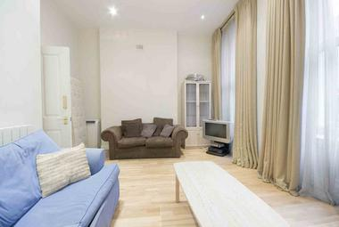 Two Bedroom Apartment at Nottingham Place, Marylebone, W1, 5LU