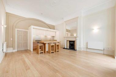 One Double Bedroom at Devonshire Place, Marylebone, W1G, 6HN