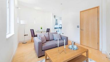 Two Double Bedrooms at Marylebone High Street, Marylebone, 5HW