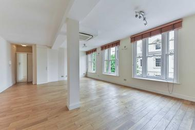 Two Double Bedroom Apartment at Clerkenwell Green, London, EC1R, 0DU