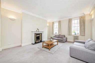 Three Double Bedrooms at Weymouth Street, Marylebone, 6DB