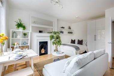 Studio Apartment at Nottingham Place, Marylebone, W1, 5LH