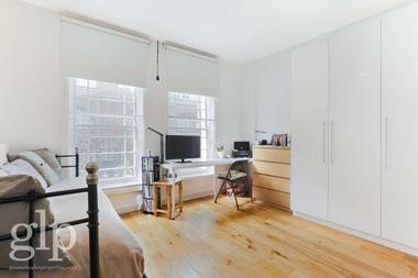 Self Contained Studio Apartment at York Way, Kings Cross, 9AA