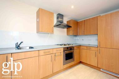 Two Double Bedroom at Holloway Road, Holloway, N7, 8HF
