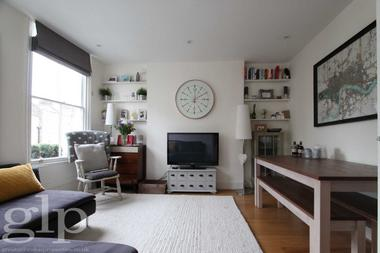 One Bedroom Apartment at Camden Passage, Islington, 8ED