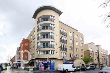 Two Double Bedroom at Holloway Road, Holloway, 8HF